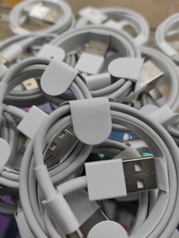 Зарядные устройства и адаптеры - Кабель для зарядки для iPhone  Foxconn, 0