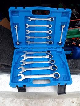 Наборы инструментов и оснастки - набор гаечных ключей с трещеткой, 0