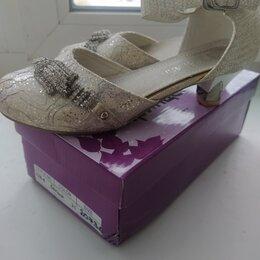 Балетки, туфли - Туфельки на каблучке в очень хорошем состоянии, сарафан в подарок, 0