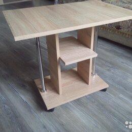 Столы и столики - Журнальный стол на колесах, 0