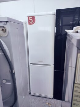 Холодильники - 2 метра ХОЛОДИЛЬНИК с гарантией ARISTON, 0