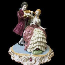 Статуэтки и фигурки - Фарфоровая статуэтка влюбленная пара , 0