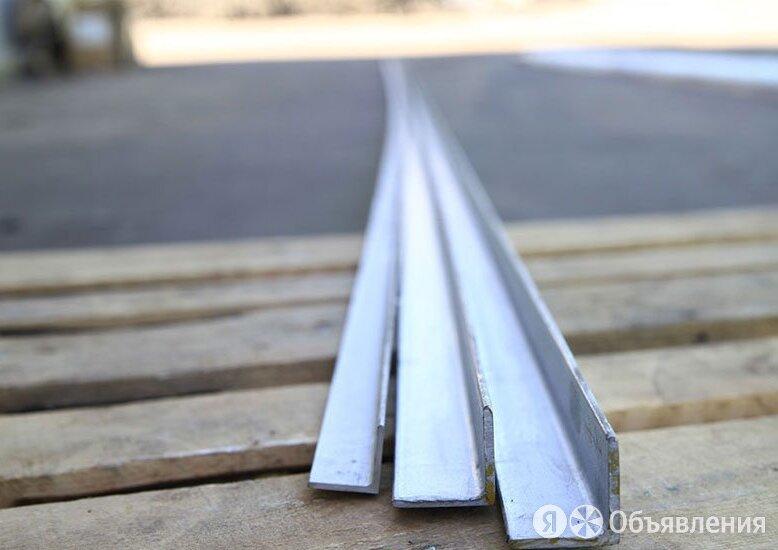 Уголок нержавеющий 30х30х4 мм AISI 304 по цене 223₽ - Металлопрокат, фото 0