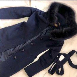 Пальто - Женское классическое пальто, 0