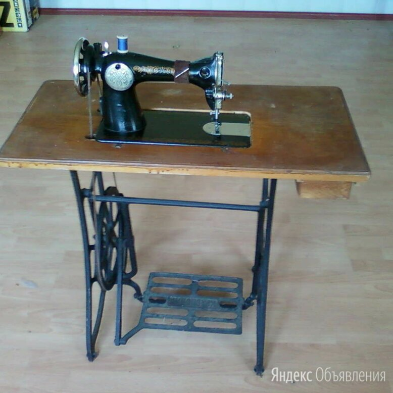 """швейная машинка """"Подольск"""" с ножным приводом по цене 3000₽ - Швейные машины, фото 0"""