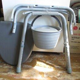 Приборы и аксессуары -  Кресло-стул с санитарным оснащением , 0