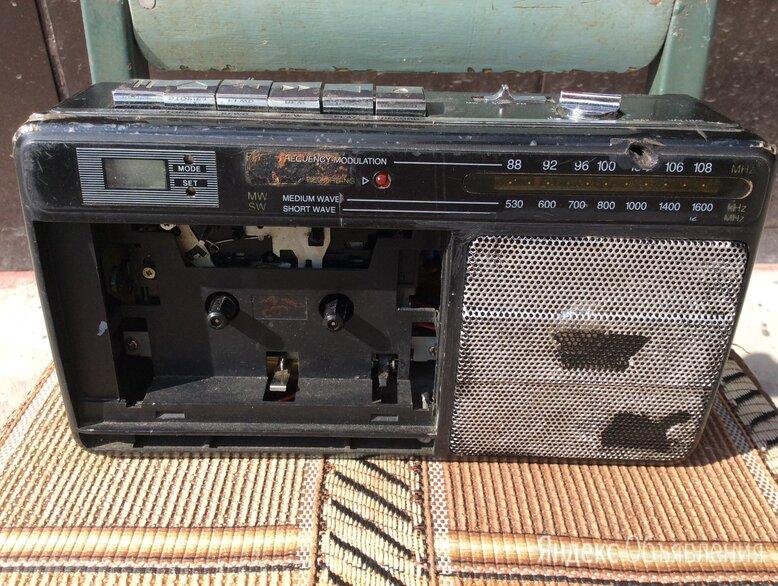 Магнитола по цене 300₽ - Музыкальные центры,  магнитофоны, магнитолы, фото 0
