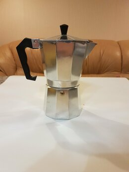 Кофеварки и кофемашины - Большая гейзерная кофеварка Butlers на 12 чашек, 0