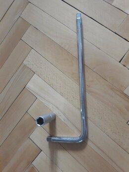 Рожковые, накидные, комбинированные ключи - Ключ баллонный 350 мм с головкой 17 мм, 0