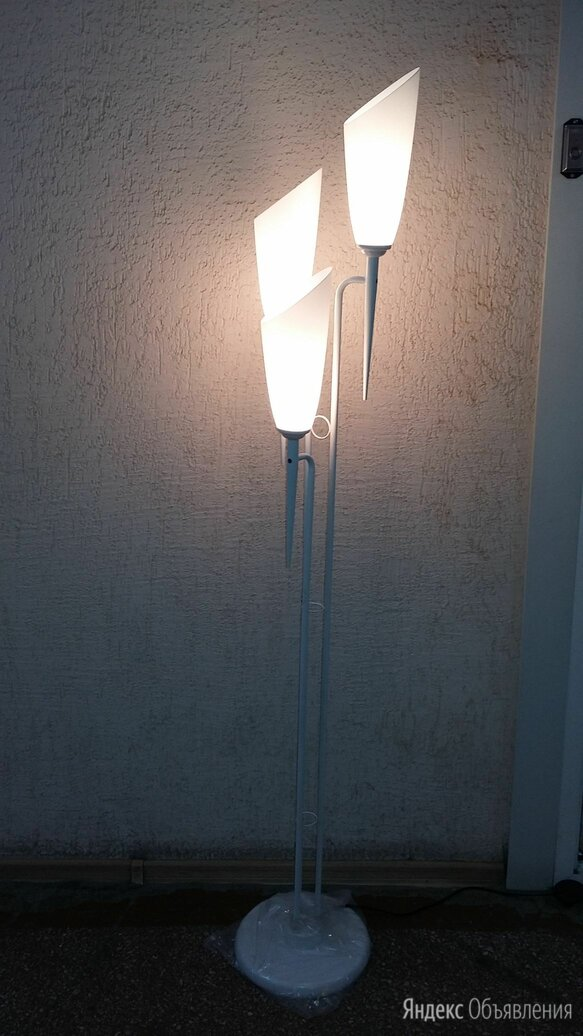 Торшер (светильник напольный) по цене 2320₽ - Торшеры и напольные светильники, фото 0