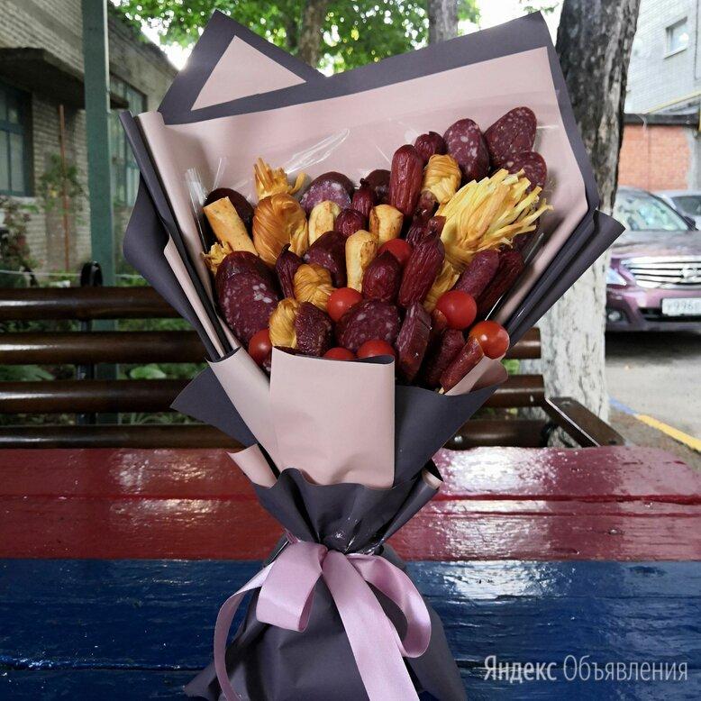 Мясной ассиметричный букет по цене 2188₽ - Цветы, букеты, композиции, фото 0