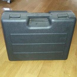 Наборы инструментов и оснастки - Набор инструментов  в чемодане, 0