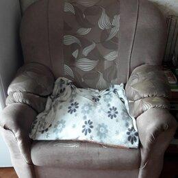 Кресла - Кресло-ширина 83 см,глубина 76 см , б/у 3 года , цена 3000 руб,торг,самовывоз, 0