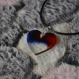 Кулоны и подвески - Кулон из эпоксидной смолы в виде сердечка, 0