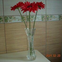 Вазы - вазочка хрустальная с красными герберами-символ богатства и изобилия., 0