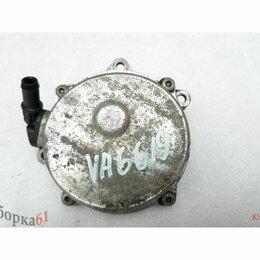 Двигатель и топливная система  - Насос вакуумный VOLKSWAGEN PASSAT B5+.  057145100K , 0