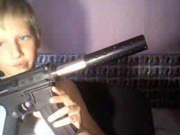 Игрушечное оружие и бластеры - пистолет, 0
