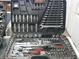 Рожковые, накидные, комбинированные ключи - Набор инструментоа, 0