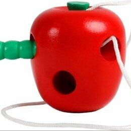 Шнуровки - Деревянная шнуровка яблоко с червячком, 0