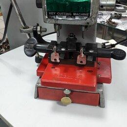 Наборы электроинструмента - Вертикальный станок TYPE-339C, 0