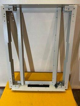 Прочее сетевое оборудование - Цоколь с выдвижными опорами серверного шкафа 12 шт, 0
