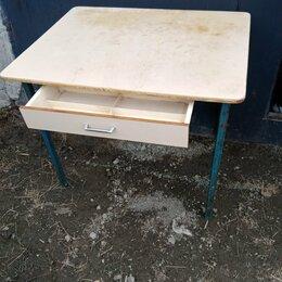 Столы и столики - Стол кухонный устойчивый. Железные ножки. Доставка , 0