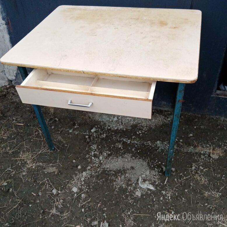 Стол кухонный устойчивый. Железные ножки. Доставка  по цене 1000₽ - Столы и столики, фото 0
