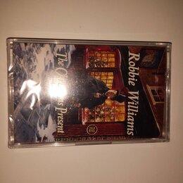 Музыкальные CD и аудиокассеты - кассета Robbie Williams-the christmas present запечатана Великобритания, 0