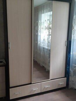 Шкафы, стенки, гарнитуры - Шкаф трехстворчатый , 0
