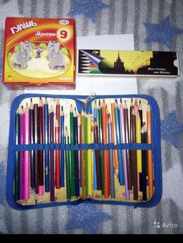 Письменные и чертежные принадлежности - Пенал с карандашами , 0