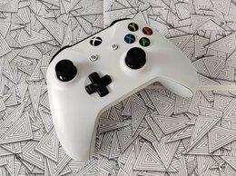 Рули, джойстики, геймпады - Геймпад Xbox One, 0