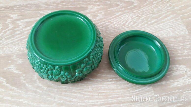 Маленькая шкатулочка для повседневных украшений, Чехия, гутное стекло. по цене 2700₽ - Подставки и держатели, фото 0