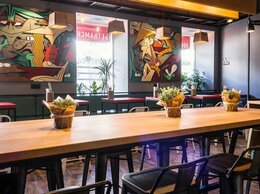 Бармен -  Бармен в мексиканский ресторан - бар, 0