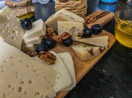 Продукты - Козий и коровий сыр, цена за 1 кг, 0