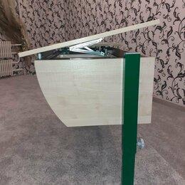 Компьютерные и письменные столы - Парта школьника (регулировка ) плюс стул , плюс тумбочка для принадлежносей . , 0
