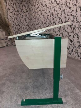 Компьютерные и письменные столы - Парта школьника (регулировка ) плюс стул , плюс…, 0