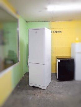 Холодильники - Холодильник бу Indesit белый высокий тихий, 0