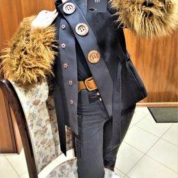 Пальто - 🔴 Moschino Италия пальто куртка с мехом и поясом, 0