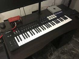 Оборудование для звукозаписывающих студий - Midi клавиатура M-Audio Oxygen 61 Mk IV, 0