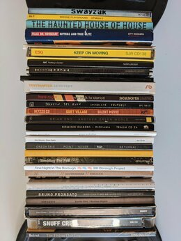 Музыкальные CD и аудиокассеты - CD диски фирменные Disco House Tech как новые, 0