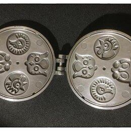 Посуда для выпечки и запекания - Форма для выпекания вафель-печения СССР, 0