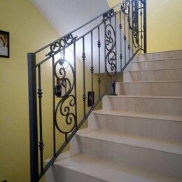 Лестницы и элементы лестниц - Кованые перила для лестницы внутри дома дизайнерские, 0