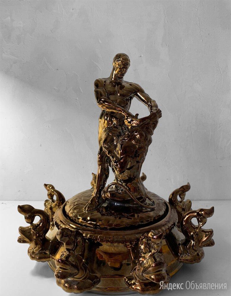 Скульптура из фарфора «Самсон раздирающий пасть льву» по цене 4500₽ - Статуэтки и фигурки, фото 0