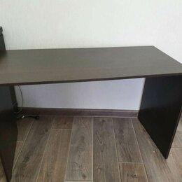 Компьютерные и письменные столы - Письменный стол длинный темно коричнего цвета  , 0
