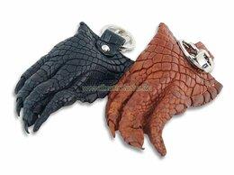 Брелоки и ключницы - Брелок - Натуральная лапа крокодила (большая) с…, 0