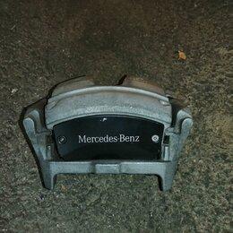Тормозная система  - Суппорт тормозной передний на Mercedes, 0