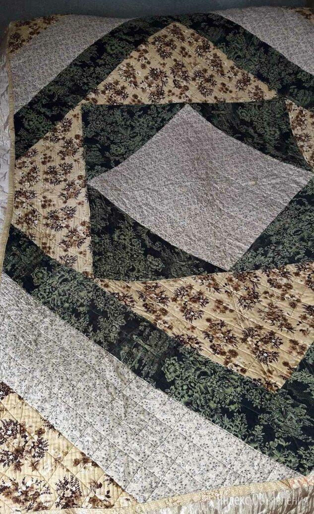 Одеяло (покрывало) лоскутное 2,1х1,42 м по цене 7000₽ - Одеяла, фото 0