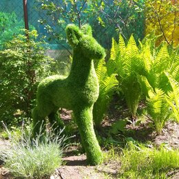 Садовые фигуры и цветочницы - Топиарная фигура из искусственной травы Оленёнок, 0