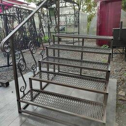 Лестницы и элементы лестниц - Металлическая лестница на крыльцо, 0
