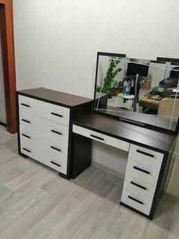 Комоды - Продам новый камод и столик с зеркалом, 0